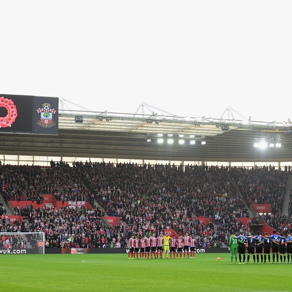 Southampton and Bournemouth players, officials and fans remember fallen members of the Armed Forces
