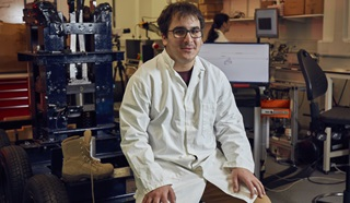 A scientist at the Centre for Blast Injuries