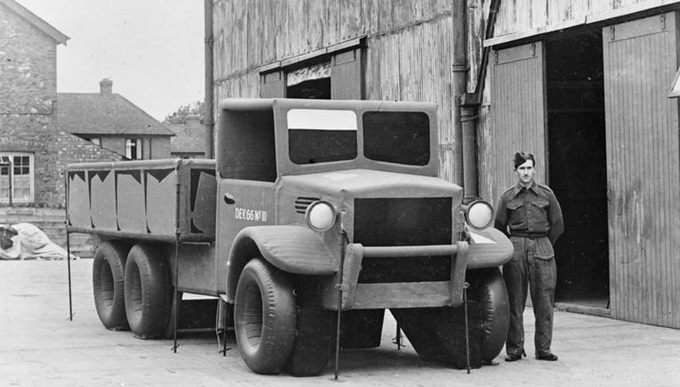 Inflatable 3-ton lorry