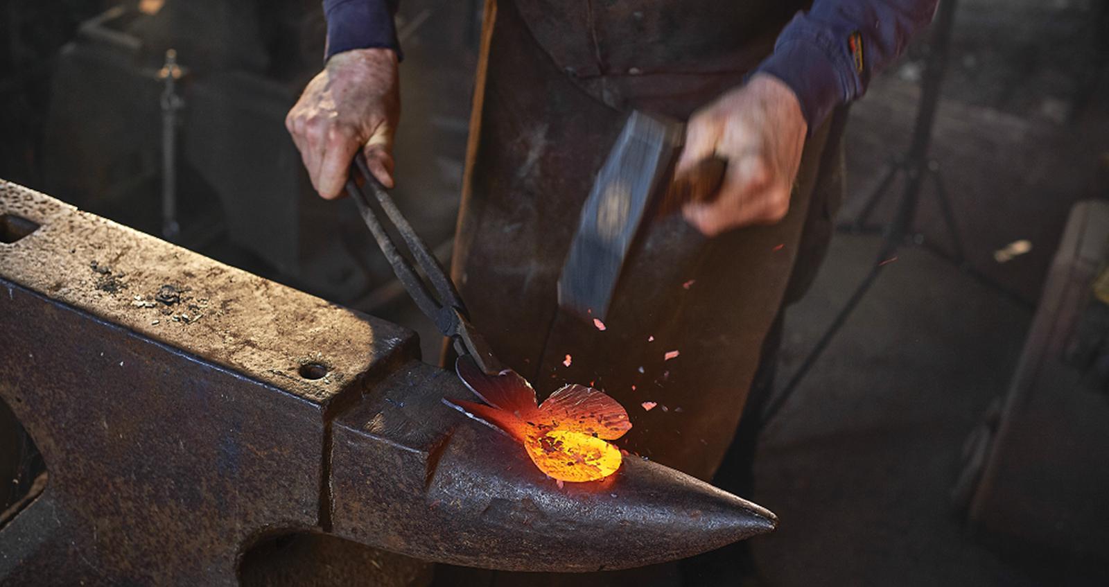 stories_tim_blacksmith_hammer_poppy
