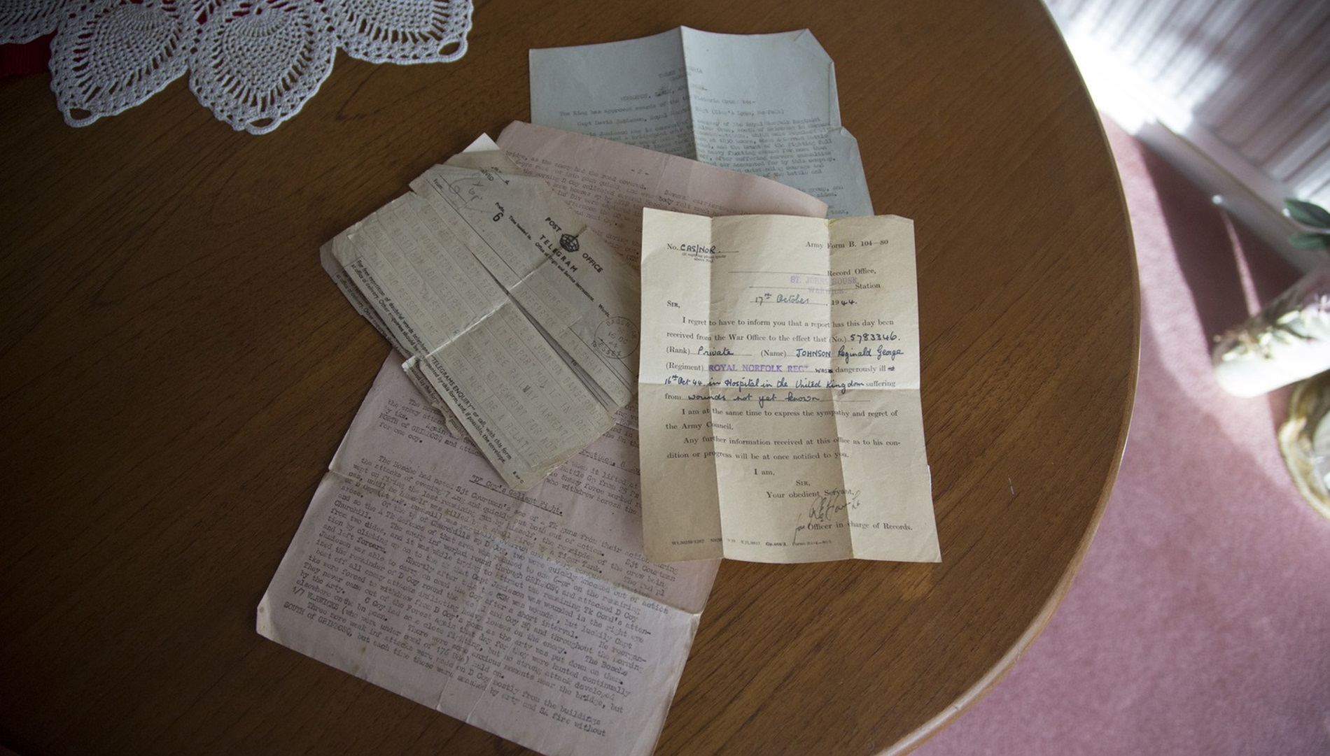A telegram Reggie's mother received during the Second World War