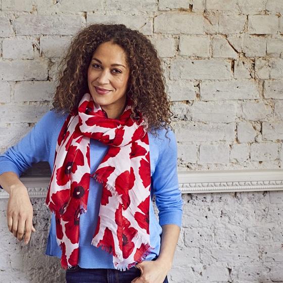 Poppy Shop Poppy scarf on model